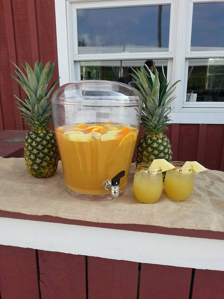 Pineapple Sangria!