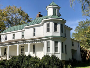 Fauquier Winery Lodging - the Farmhouse Suite at Valley View Farm - historic farmhouse exterior